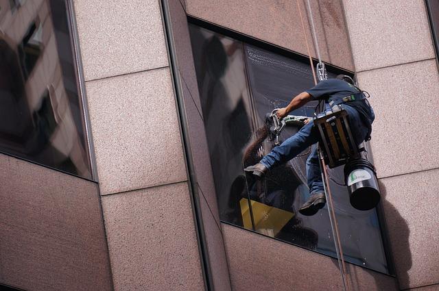 Entretiendes vitres difficiles d'accès